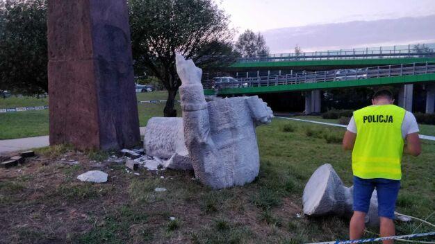 """Pomnik Berlinga """"zniesiony społecznie"""""""