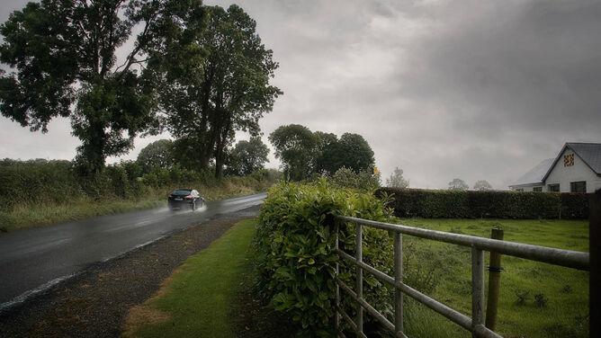 Poranek z mgłami, później deszcz i burze