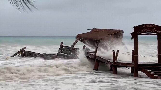 """Kolejna """"nadprogramowa"""" burza tropikalna zeszła na ląd"""